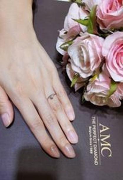 AMC鑽石婚戒鑽戒推薦生活照 AMC鑽石婚戒 好評婚戒品牌 CP值超高婚戒品牌 AMC高品質對戒,訂婚鑽戒,結婚對戒,求婚鑽戒,婚戒推薦